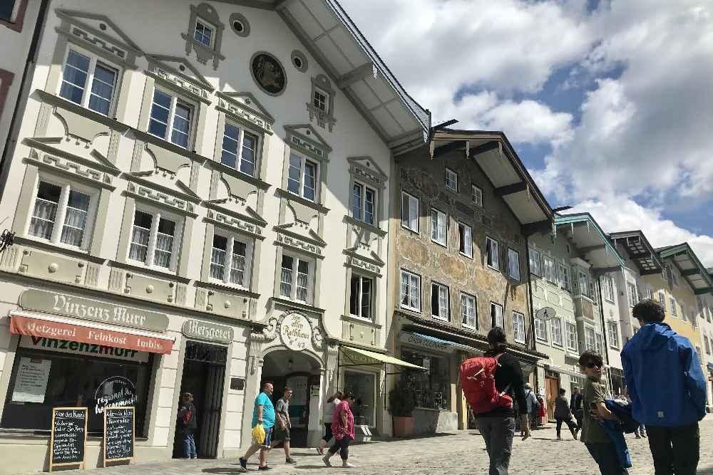Unser Besuch in der Altstadt von Bad Tölz mit Kindern im Familienurlaub Bayern