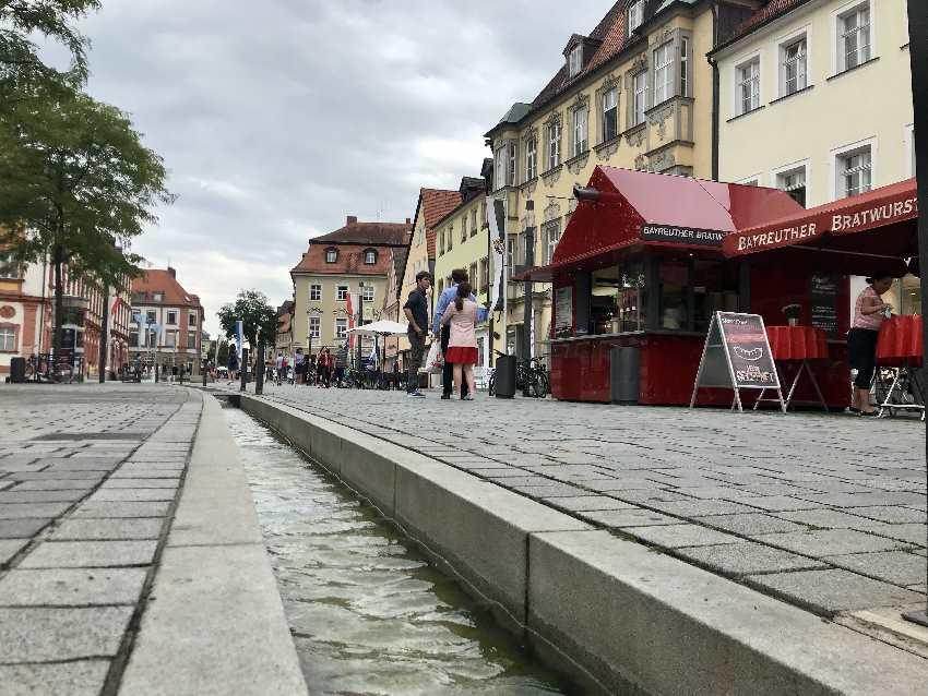 Familienurlaub Bayreuth oder ein Tag in Bayreuth mit Kindern? Auf jeden Fall einmal durch die Fußgängerzone schlendern.