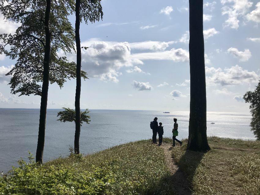 Genieß die einzigartige Küstenlandschaft an der Ostsee mit Kindern