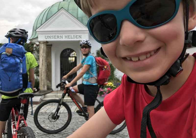 Wir waren mit dem Fahrrad unterwegs im Familienurlaub in Murnau mit Kindern