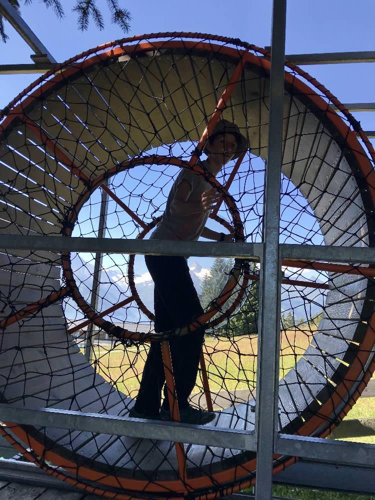 Familienurlaub Österreich auf der Schmittenhöhe: Ein Rad zum selbst antreiben - coole Spielstation
