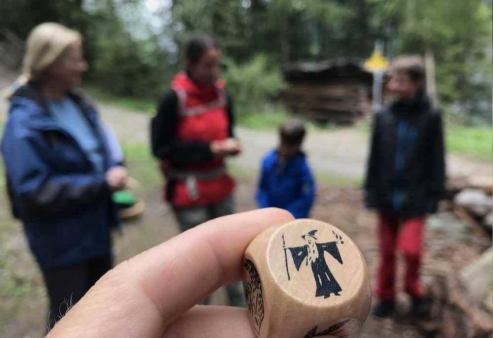 Familienurlaub Osttirol: Jeder erfindet ein Stück Geschichte, das jeweilige Symbol sollte vorkommen
