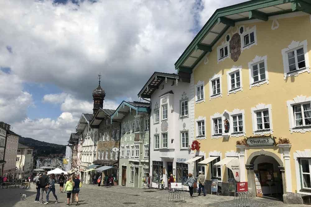 So schön sind die Häuser in der Marktstrasse von Bad Tölz