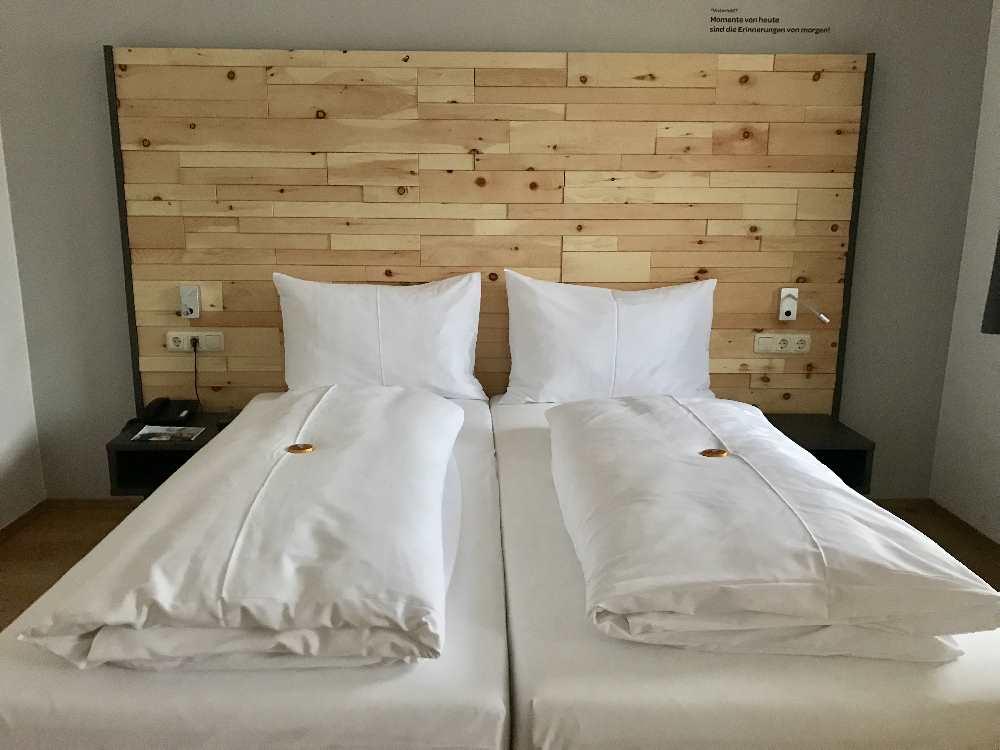 JUFA Alpenhotel Saalbach: Moderne und gemütliche Zimmer für den Familienurlaub Österreich