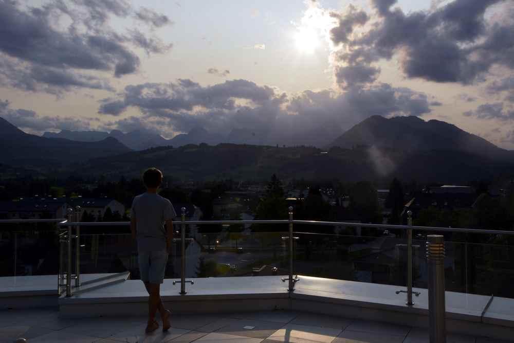 Hotel Dilly Windischgarsten - der Blick von der Terrasse in die Berge
