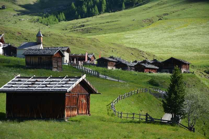 Kinderwagen Wanderung in Südtirol zur Fane Alm