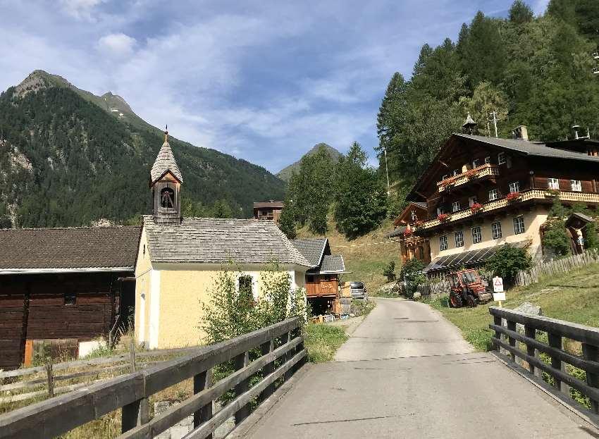 Idyllisch: Der Sturm - Archehof in Heiligenblut. Ferienwohnungen auf dem einzigen Archehof in Kärnten.