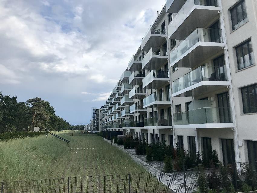 So schauen sie nach der Renovierung aus: Moderne und teure Ferienwohnungen am Sandstrand