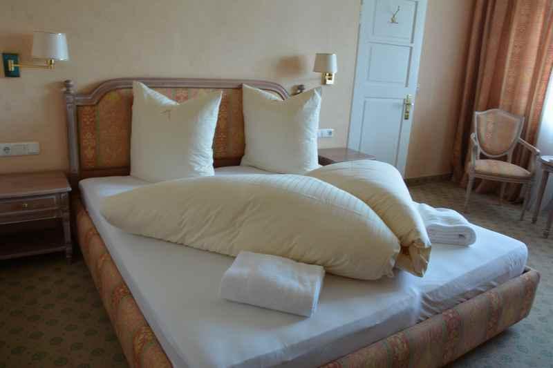 Ferienwohnung Tegernsee:  Das Elternschlafzimmer in der Ferienwohnung im Gästehaus Florian