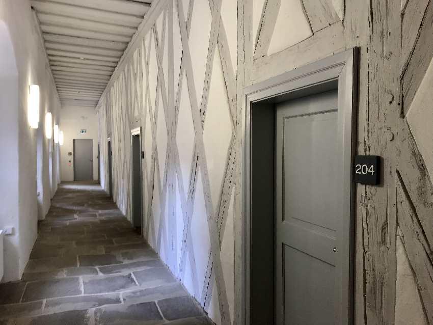 Die Gänge im JUFA Hotel auf der Festung in Kronach