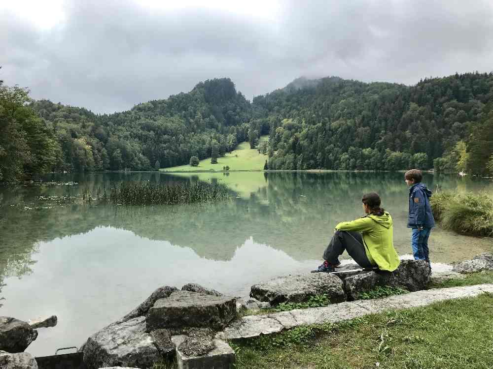 Füssen mit Kindern ist abwechslungsreich - neben Schloss Neuschwanstein und der Altstadt Füssen gibt´s viele Seen!