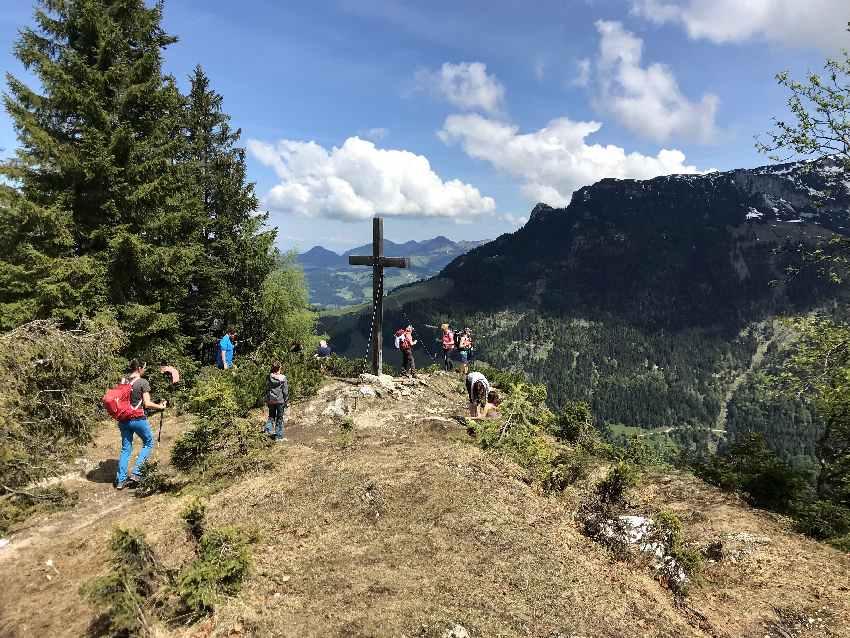 Unsere Kufstein Wanderung mit Kindern - zum Gamskogel Gipfelkreuz
