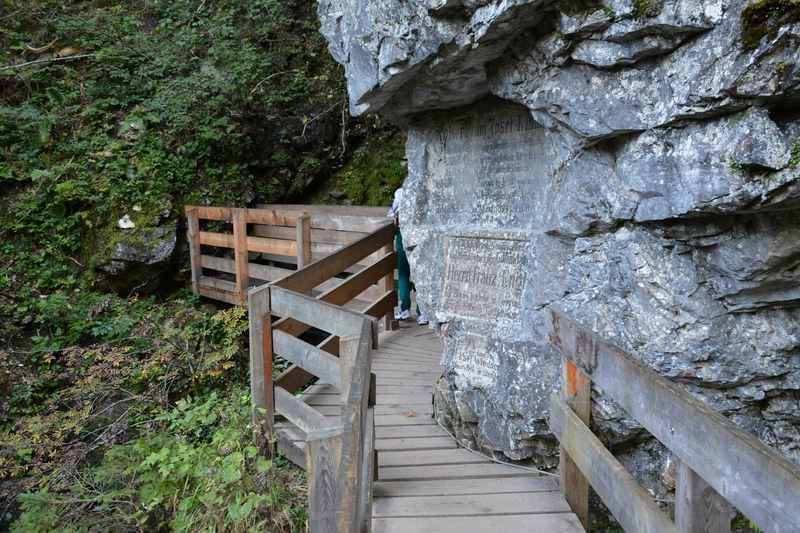 Schmal ist der Weg an einigen Stellen durch die Gilfenklamm in Südtirol