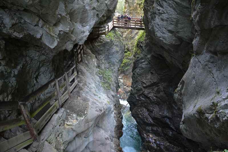 Durch die Gilfenklamm bei Sterzing wandern mit Kindern in Südtirol