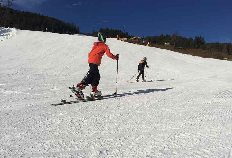 Skitour Gosau: Bei strahlendem Sonnenschein eine Skitour mit Kindern