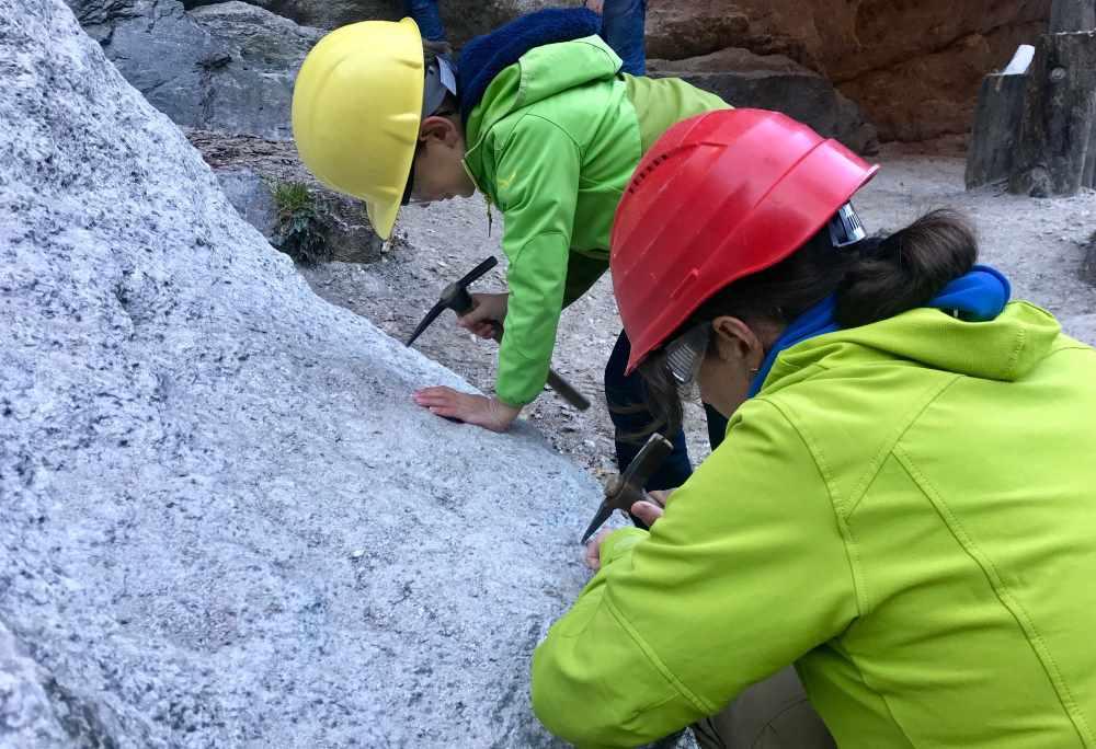 Granatium - So machen wir uns an das Granatsteine schlürfen in Radenthein