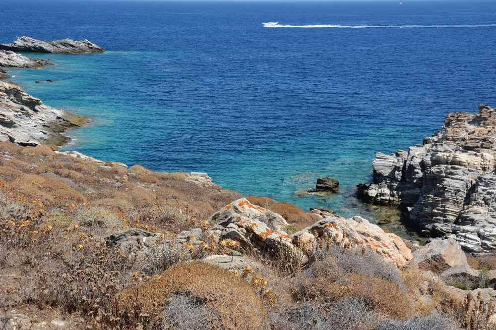 Blick auf das Meer bei der Wanderung im Naturpark