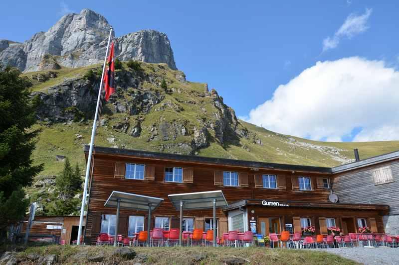 Starten kann man am Gumen in Braunwald, bei der Bergstation der Bergbahn