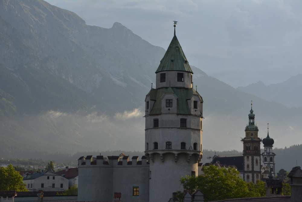 In Hall in Tirol kannst du den Kindergeburtstag ritterlich in der Münze beim Münzturm feiern!