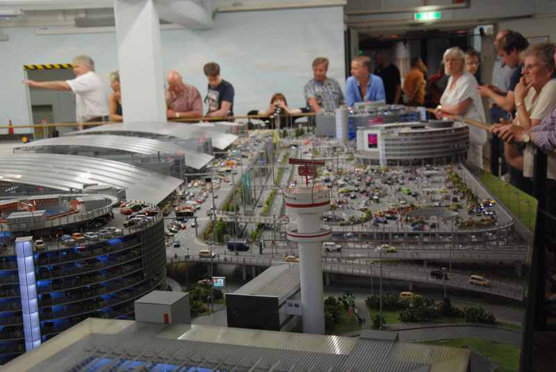 Die Miniaturwunderwelt in Hamburg: Der Flughafen mit den tausenden von Details, samt Flugzeugstart!