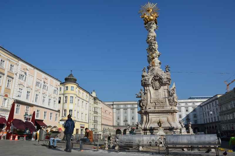 Auf dem Hauptplatz in Linz beginnt unser Tagesausflug auf den Pöstlingberg