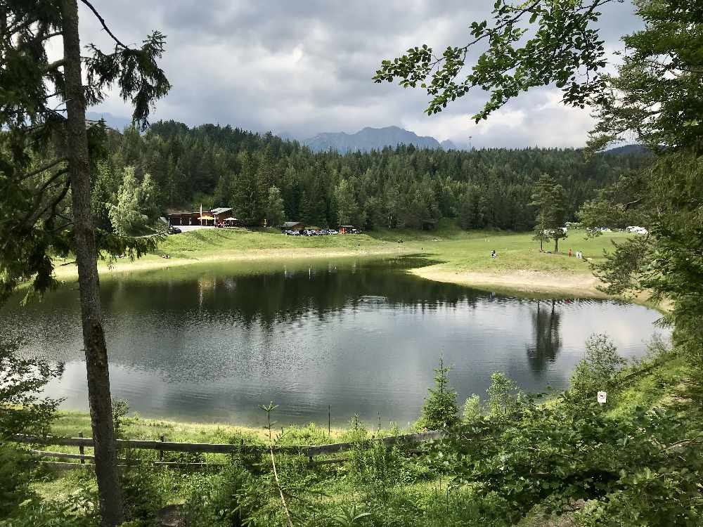 An den Lottensee bei Seefeld - seltener Badeausflug mit Schatten an heißen Tagen