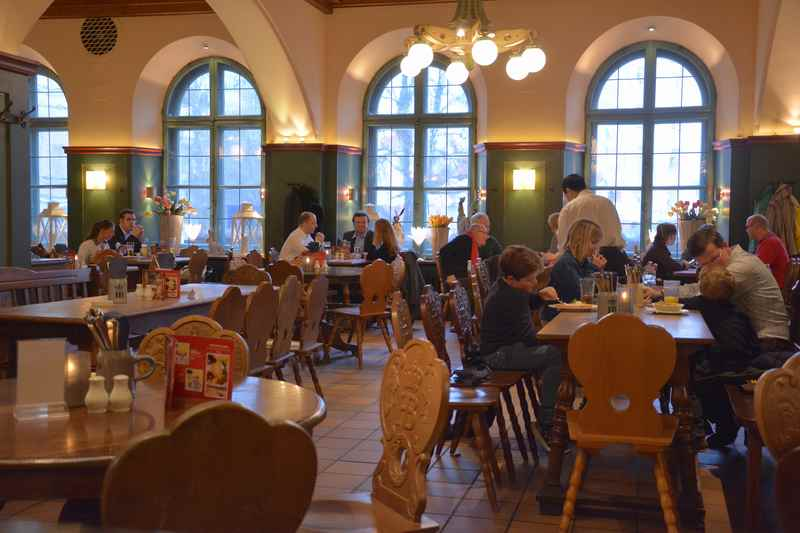 Im Hofbräukeller München essen mit Kindern - tolles Wirtshaus mit bayerischer Küche