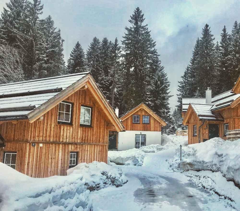 Schneeschuhwandern mit Kindern: Das waren die tollen Hütten bei unserem Winterurlaub mit Kindern im Salzkammergut in Österreich