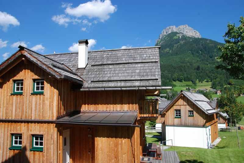 Bad Aussee mit Kindern: Übernachten im Hüttendorf Altaussee, unterhalb des Loser
