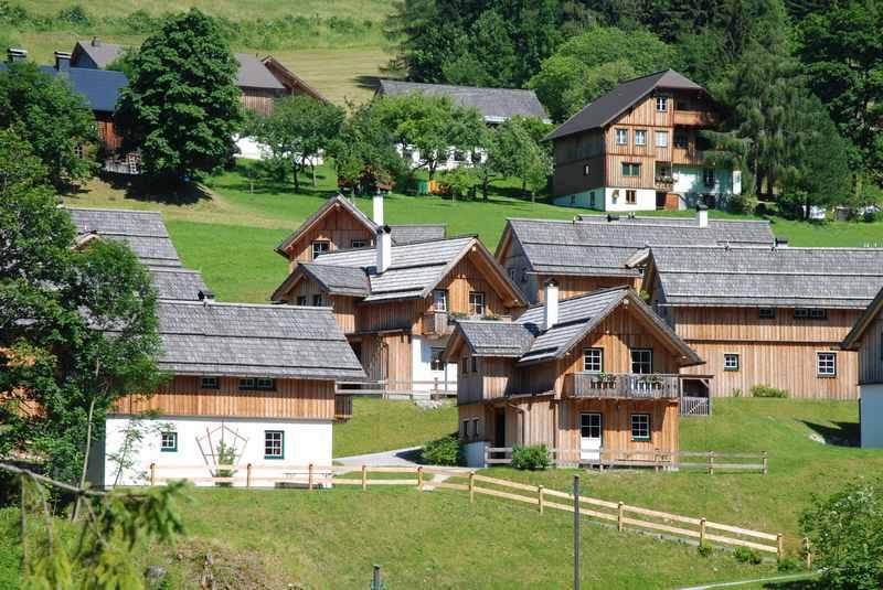 Hüttendorf Österreich - willst du auch einen Urlaub in dieser Idylle verbringen