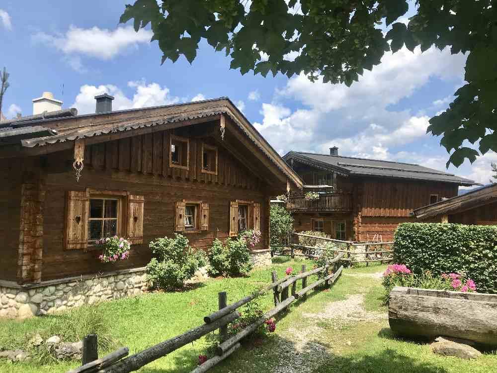 Die Almlust - unser Ausgangspunkt im Wanderurlaub, ein tolles Hüttendorf im Salzburger Land