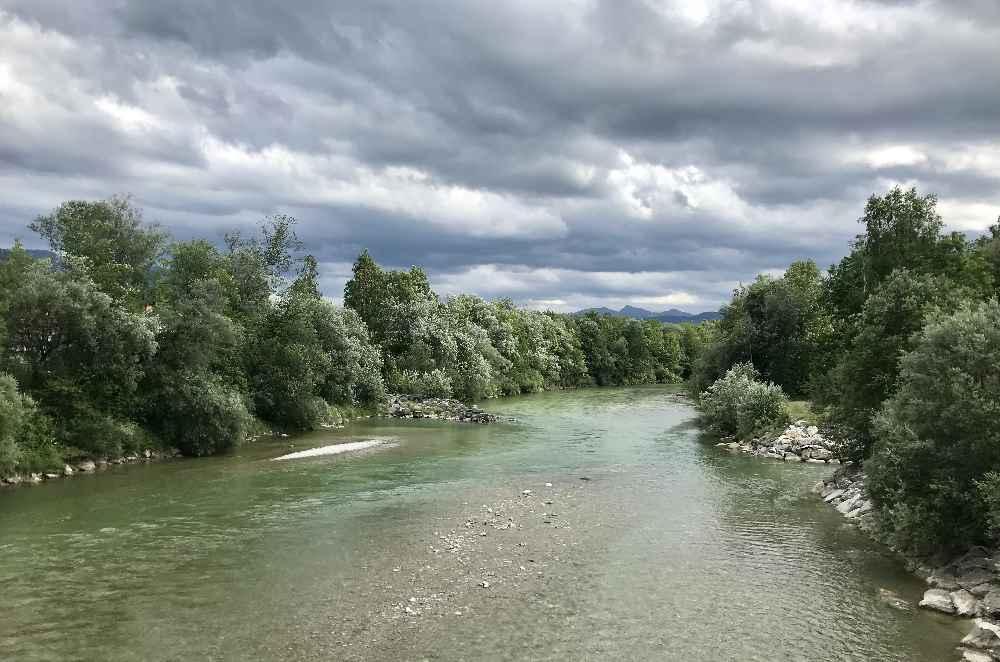 Eindrucksvolle Stimmung an der Isar in Bayern