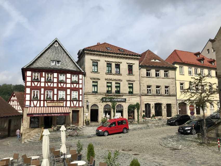 Auf dem Weg zum JUFA Hotel Kronach - so schön sind die Häuser in der Altstadt Kronach