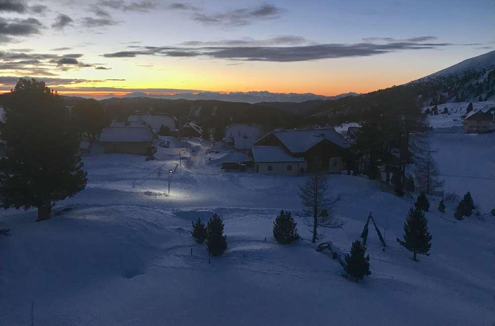 Im Heidihotel kannst du den Sonnenaufgang in den Karawanken sehen
