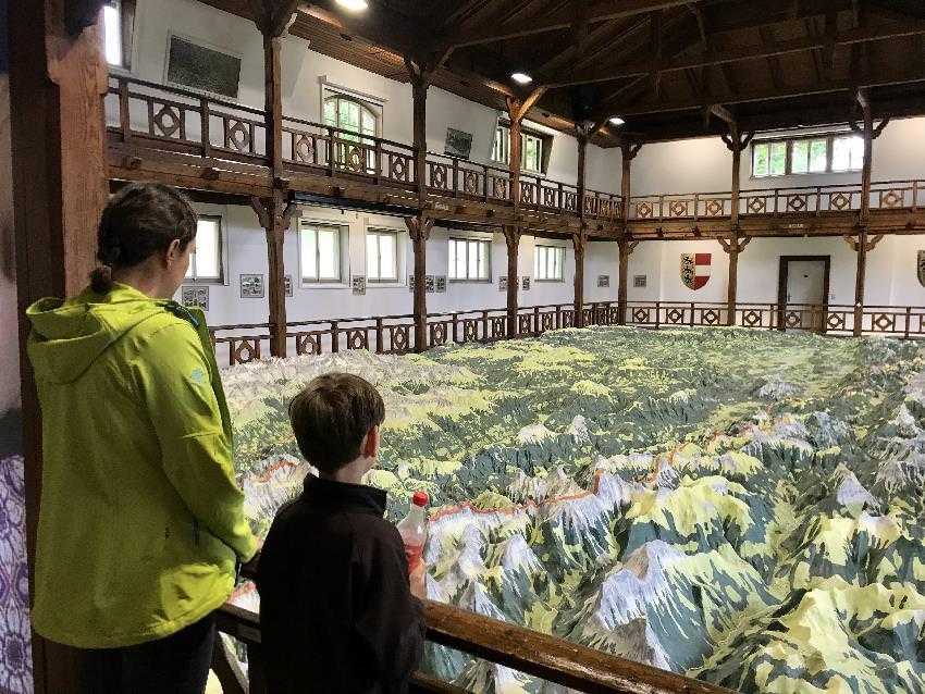 Das Kärnten Relief: Einmal ganz Kärnten aus der Vogelperspektive sehen - ideal in Villach bei Regen