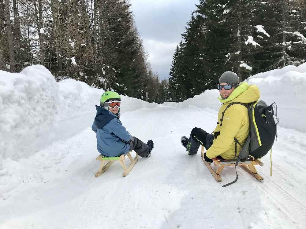 Skiurlaub mit Kindern Kärnten - und rodeln auf den kilometerlangen Rodelbahnen