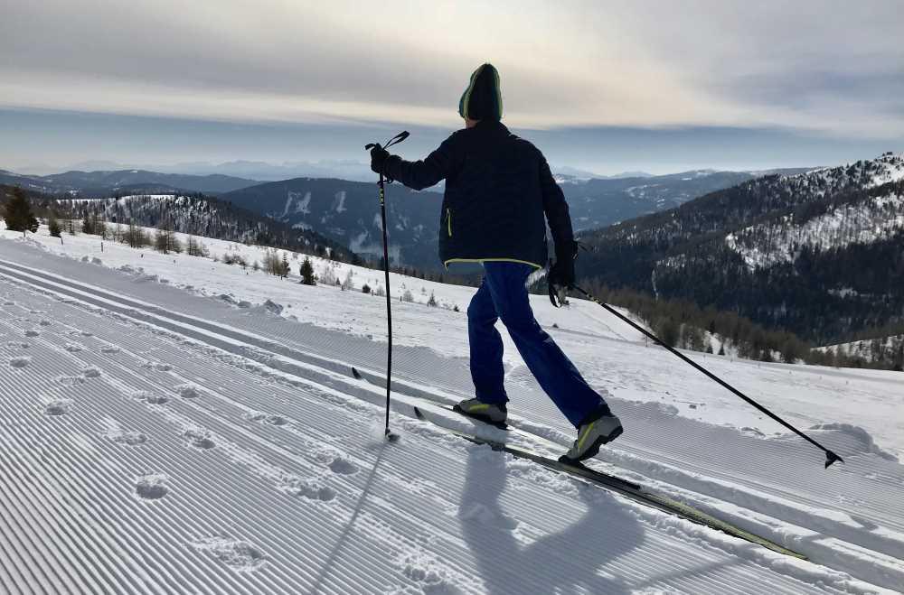 Langlaufen Kärnten: Das ist der Blick auf der Höhenloipe in Falkertsee, oberhalb von Bad Kleinkirchheim