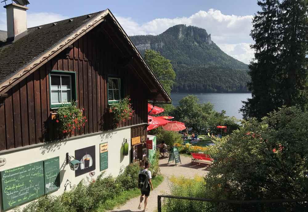 Das Kahlseneck am Altausseer See - Gasthaus und Strandbad mit Liegewiese und Kiesstrand