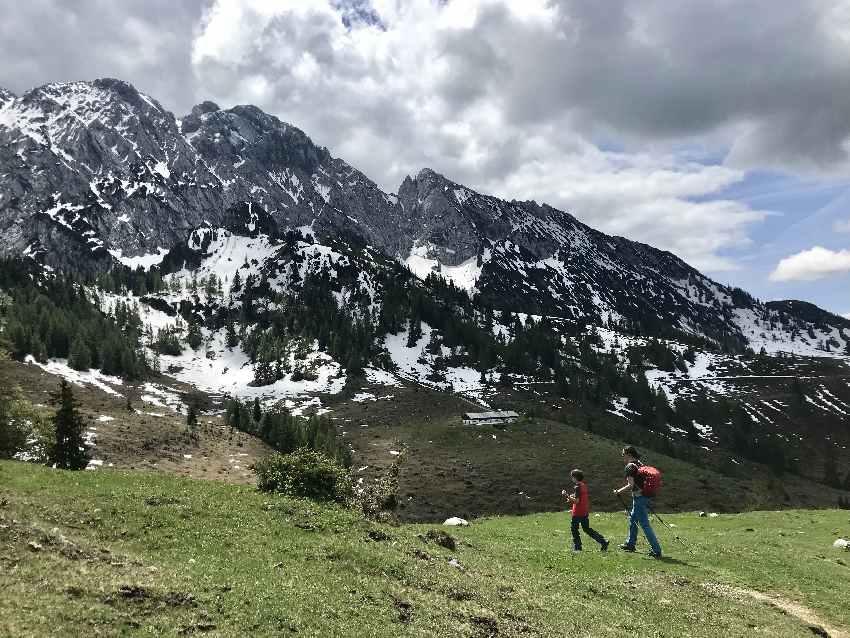 Kaiserlift Kufstein: Mit dem Kaiserlift rauf und oben im Kaisergebirge wandern mit Kindern