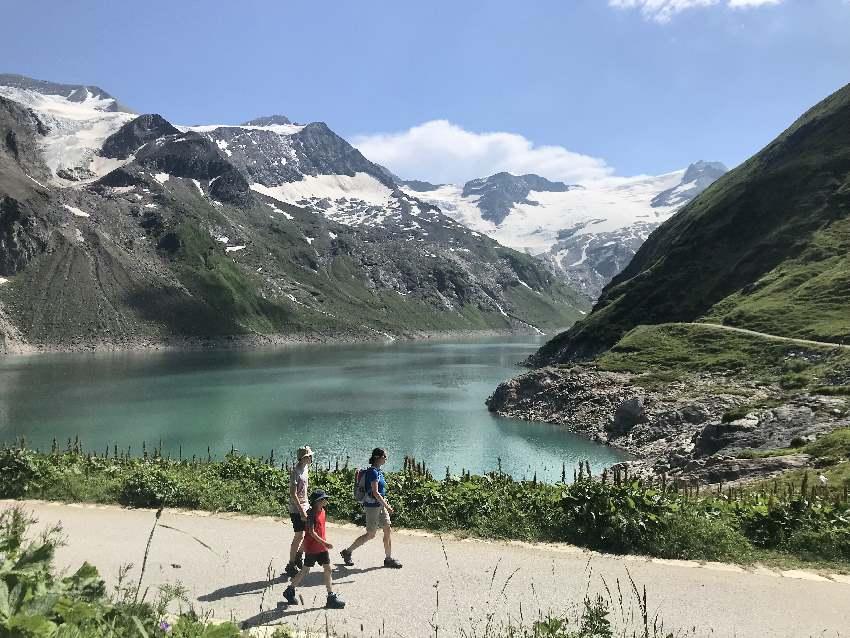 Wandern mit Kindern in Salzburg: Ganz oben mit Blick auf die Gletscher