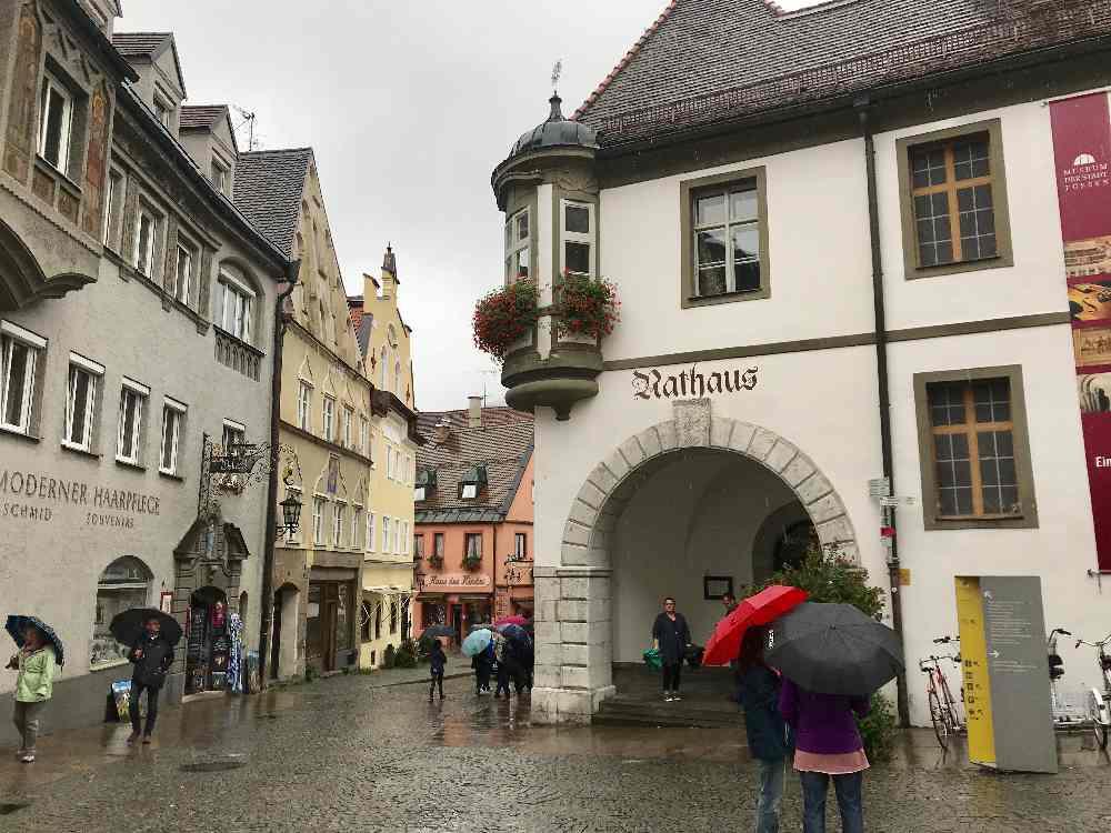 Füssen mit Kindern bei Regen - und in der Altstadt die Rätselfragen lösen