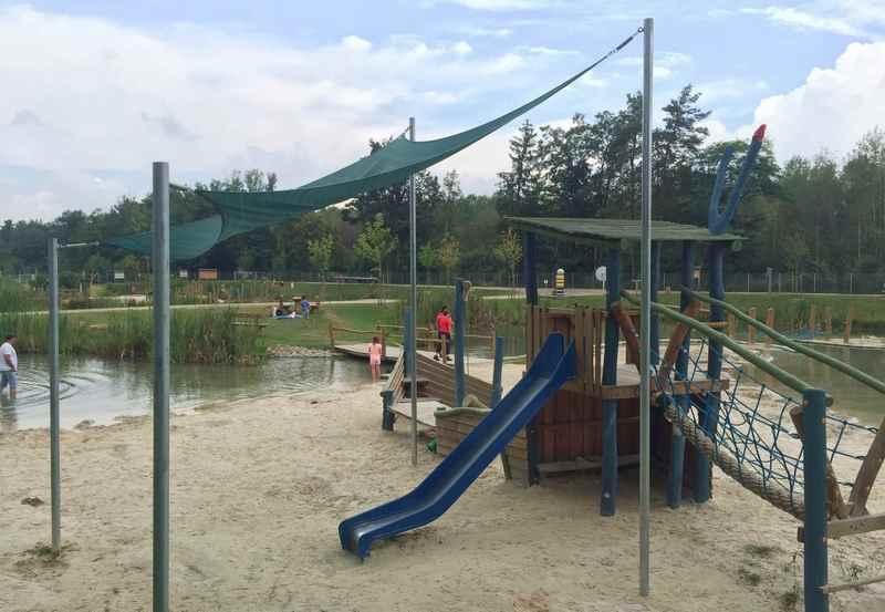 Erlebnispark Wasser Fisch Natur - mit Sandspielplatz und Spielgeräten