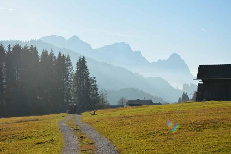Welche Wanderungen mit Kinderwagen sind in den Bergen möglich?