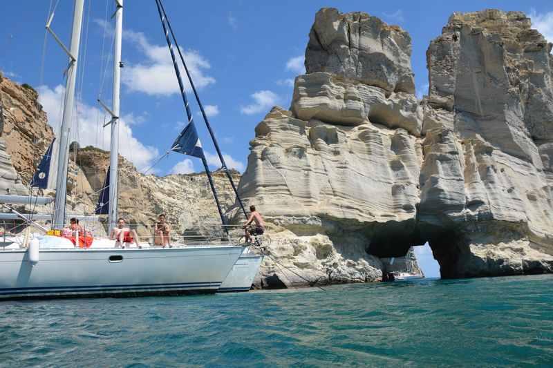 Die Felsen im Piratenwinkel Kleftiko in Milos, Kykladen