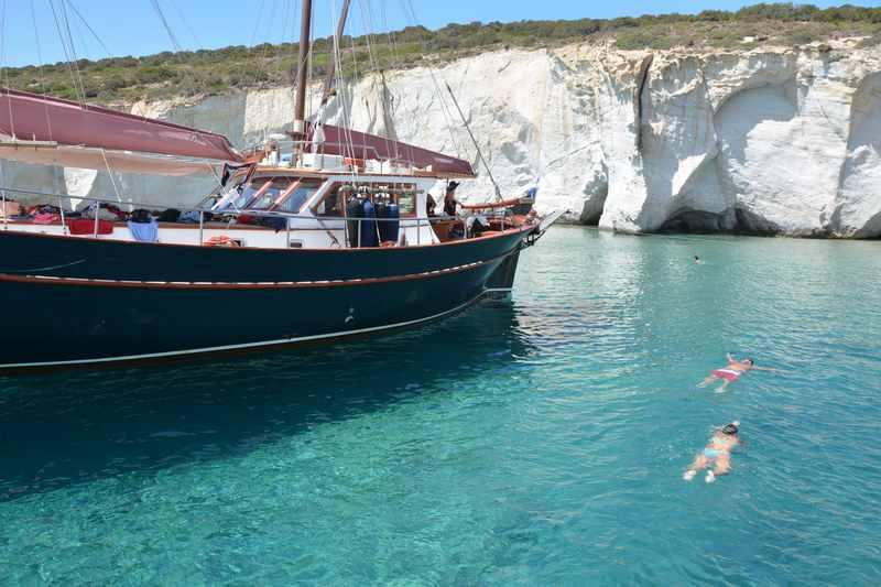 Schiffsausflug nach Kleftiko mit Kindern in Griechenland