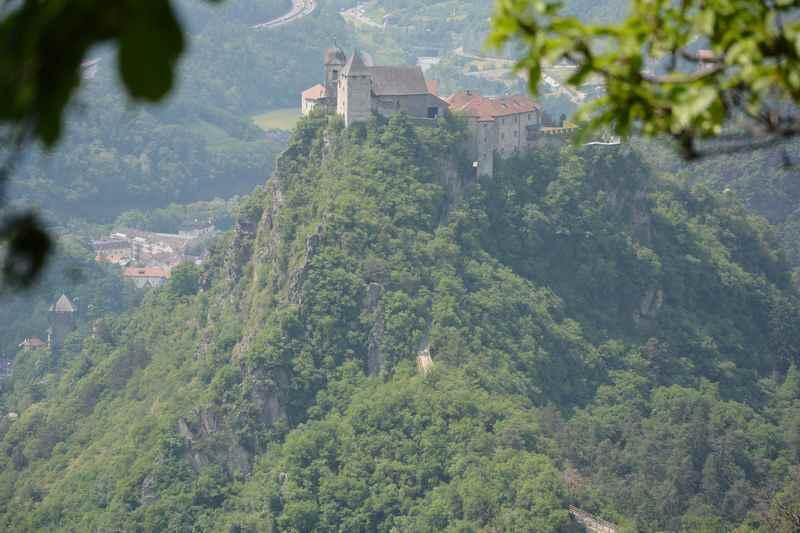 Das Kloster Säben ist nicht mehr weit im Familienurlaub Südtirol.
