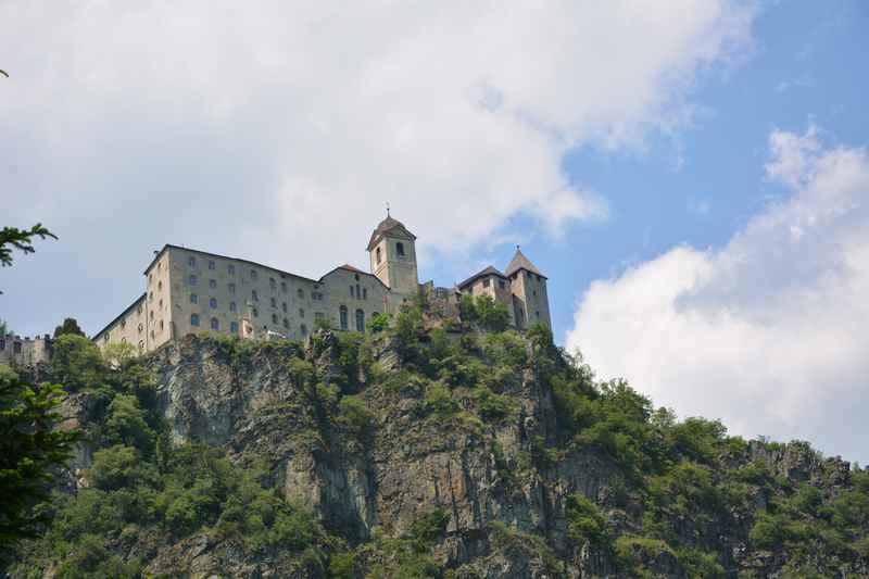 Das bekannte Kloster Säben in Klausen, interessant mit Kindern