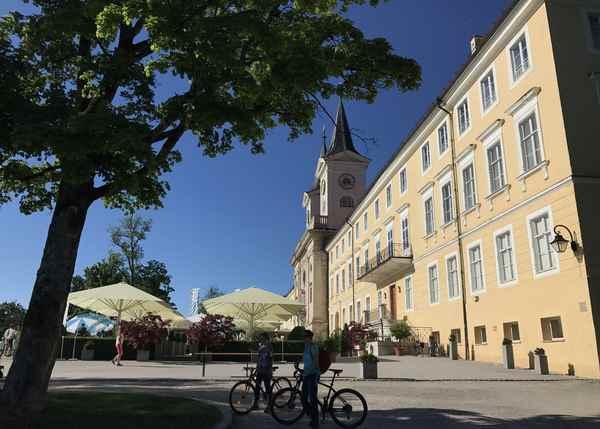 Mit dem Fahrrad sind wir zum Kloster Tegernsee gefahren