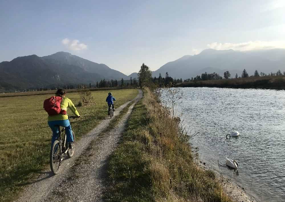 An der Loisach - radfahren mit Kindern nach Benediktbeuern oder zum Eichsee