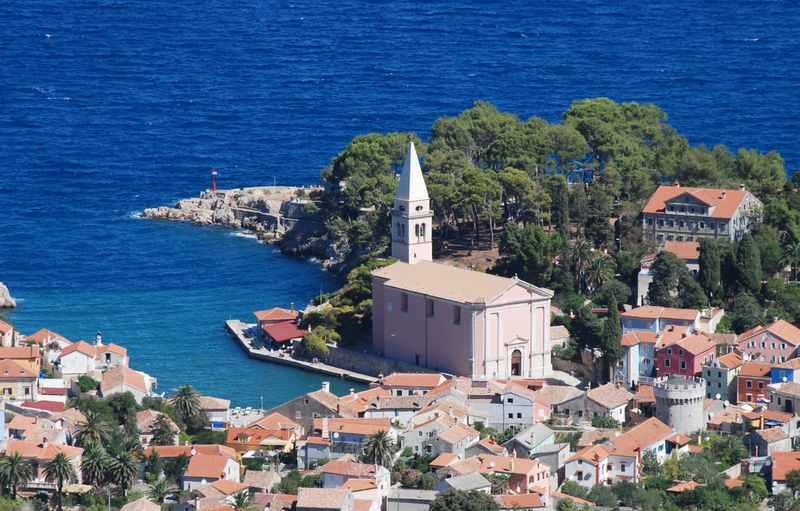 Kroatien Familienurlaub auf der Insel Losinj - mit dem blauen Meer ...